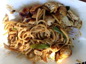 Chicken Chow mien vietnamese alliance